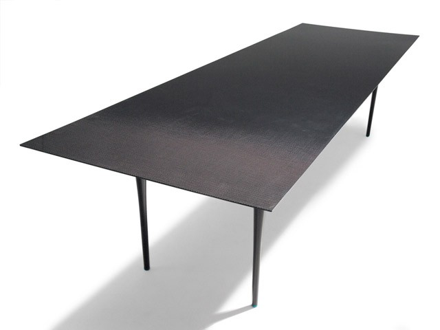 2-carbon-fiber-stealth-table