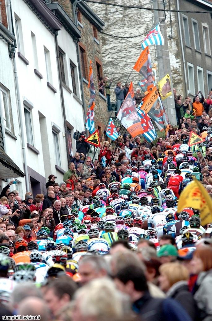 Cote de Saint Roch Don't you just love the crowds