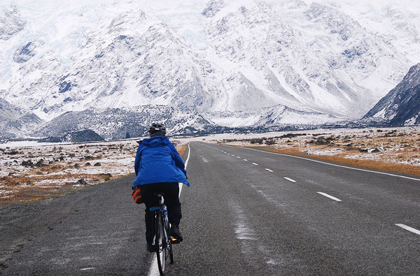 cycling-to-mount-cook