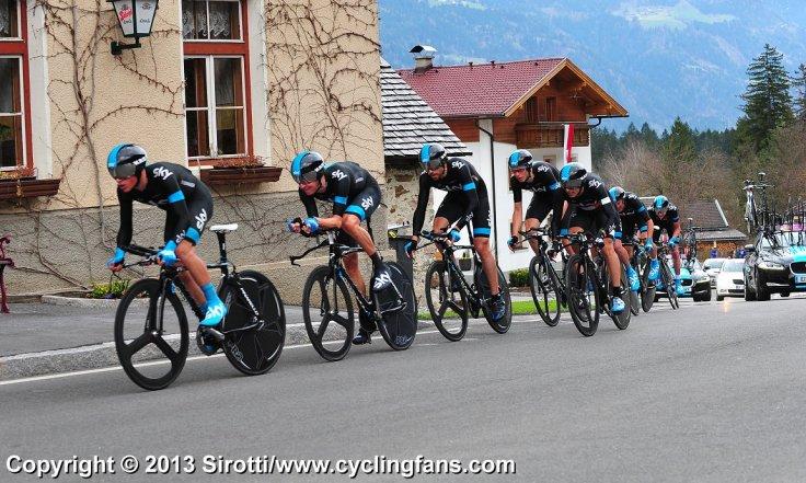 2013_giro_del_trentino_stage1b_ttt_team_sky_victory1