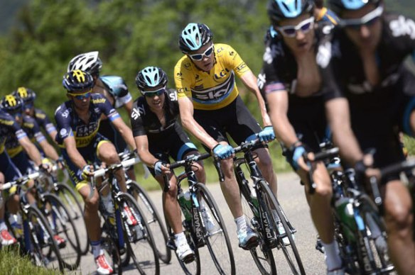 Chris-Froome-rides