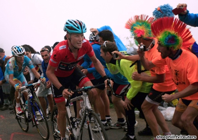 Horner of the U.S. is followed by Italy's Nibali as they climb L'Angliru port during the 142-km 20th stage of the Vuelta