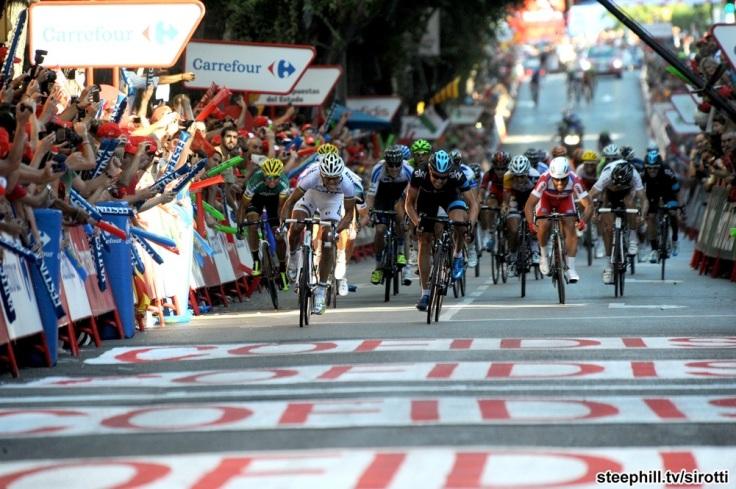 Philippe Gilbert wins ahead of Edvald Boasson
