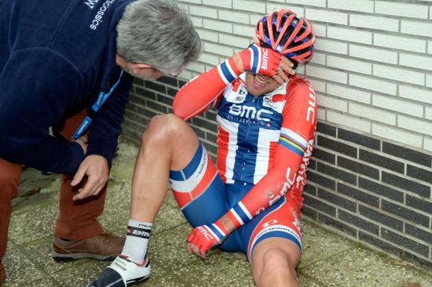 het-nieuwsblad-2014-thor-hushovd-injury-630x419