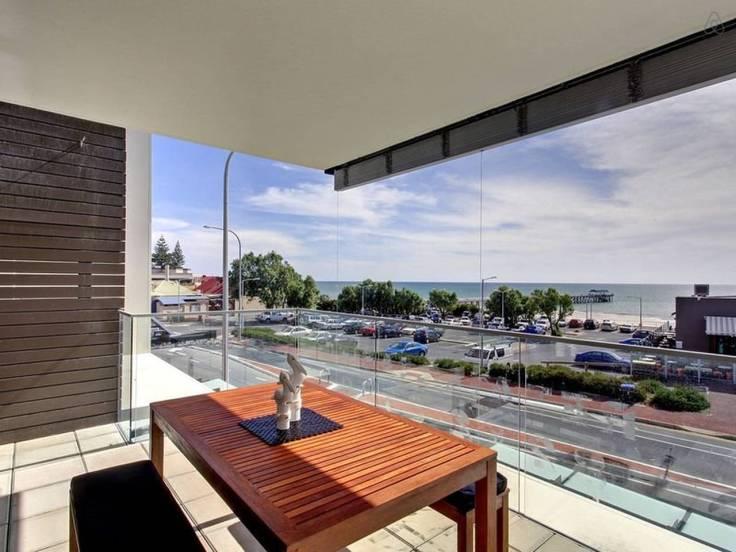 Henley Beach - 2 br - $300 pn