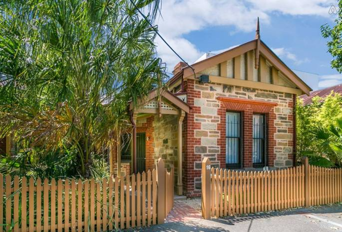 Adelaide - whole house - $210 pn