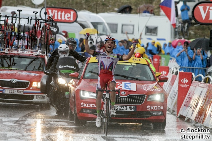 Joaquim Rodriguez Spain Katusha team wins in the appaling weather at plateau de beille