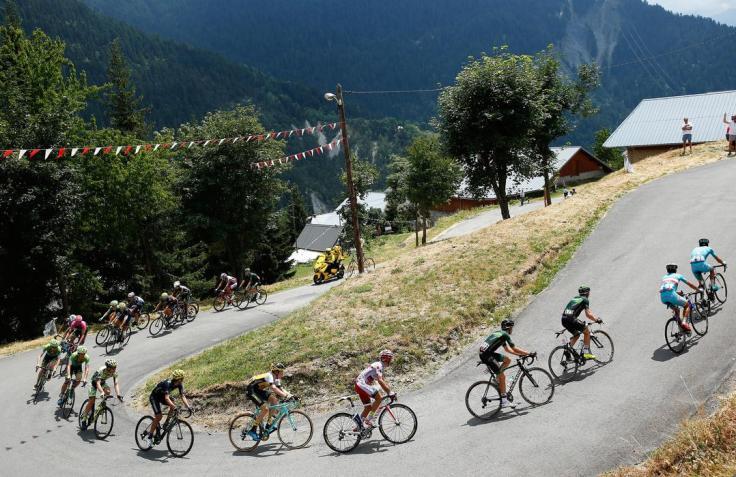 LA TOUSSUIRE, FRANCE - JULY 24:  The peloton in action during Stage 19 of the 2015 Tour de France, a 138km stage between Saint-Jean-de-Maurienne and La Toussuire, on July 24, 2015 in La  Saint-Jean-de-Maurienne, France.  (Photo by Doug Pensinger/Getty Images)