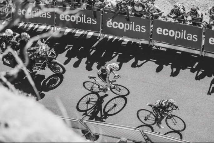 17.LaVueltaEspana2015StageTwoQuintanaAttack