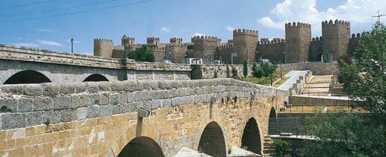 d_puente_murallas_avila_t0500586.jpg_369272544