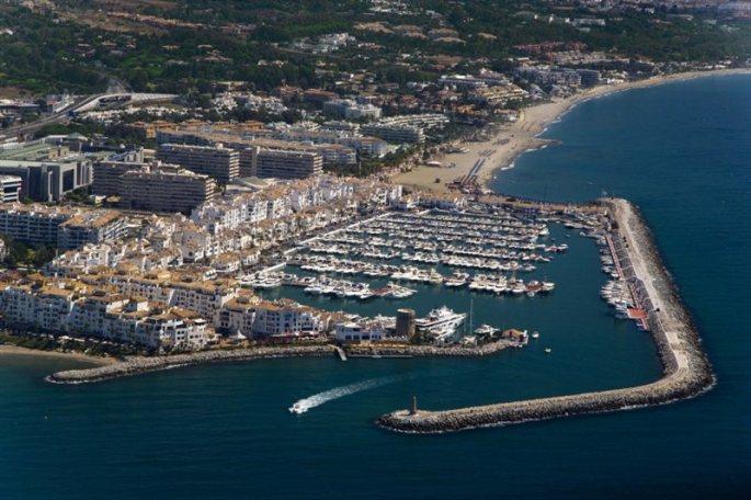 es_puerto_banus_aerea_47221785