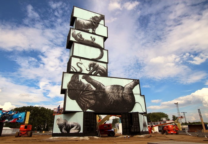 ROA-shipping-container-upperplayground002
