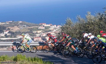 Pelotons ride on the Cipressa during Milano-Sanremo 2016, 19 March 2016. ANSA/CLAUDIO PERI