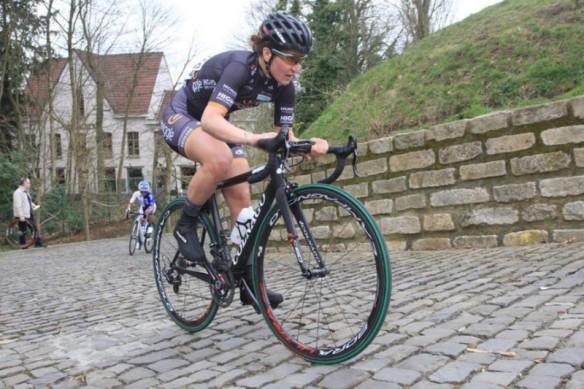 elisa-longo-borghini-ciclismo-profilo-fb-longo-borghini-wiggle-800x533-800x533