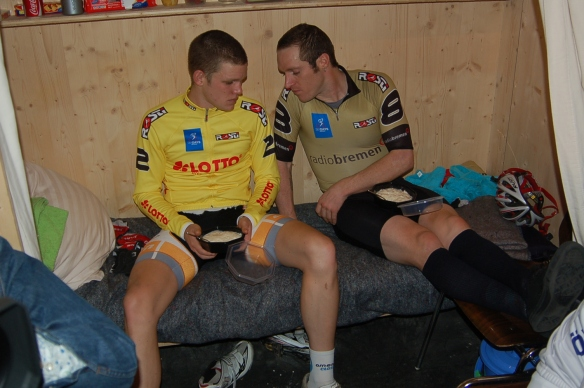 bremen-six-day-2012-days-5-and-6-026-brad-wants-jackies-rice1