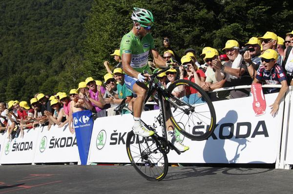 peter-sagan-pops-a-wheelie