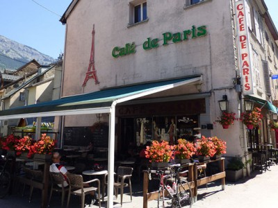 400__300__crop__-wp-content-uploads-noesit-medias-34997-cafe-paris