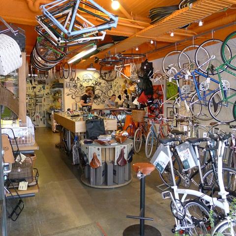 treadly-bike-shop-2_48803f70-10a9-11e5-b7e802e22d9e6a7f
