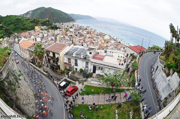 Giro d'Italia 2017 - 100a edizione -  Tappa 6 - da Reggio Calabria a Terme Luigiane - 217 km ( 134,8 miglia )