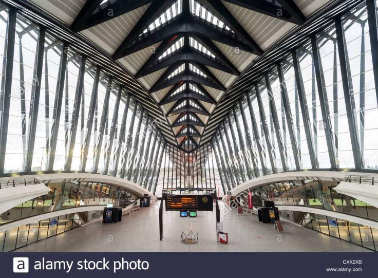 lyon-saint-exupery-airport-train-station-tgv-france-CXX2XB